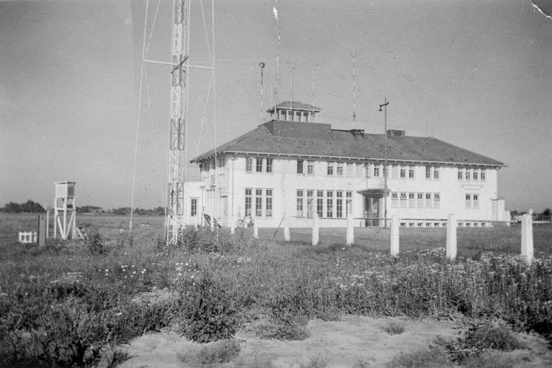 Luchthavengebouw eind jaren veertig