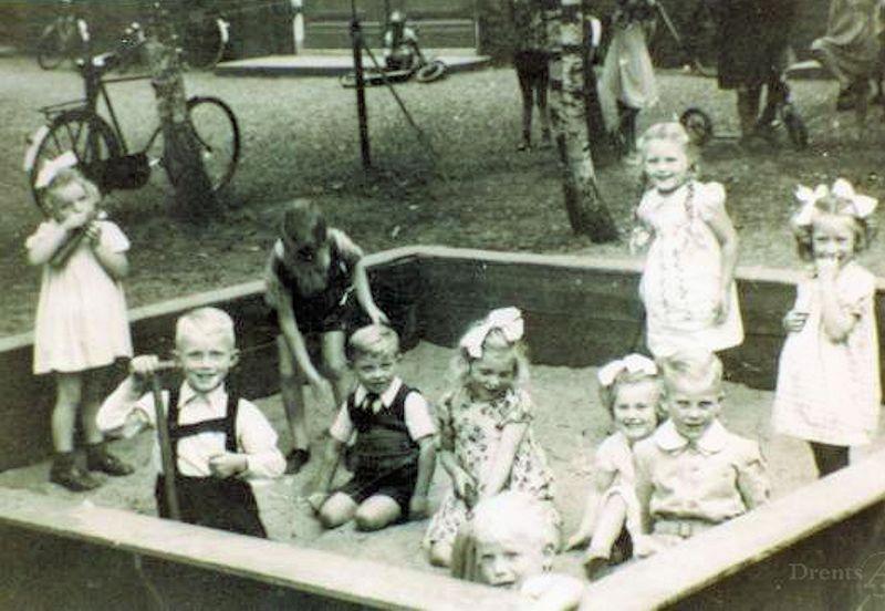 Zandbak bij de kleuterschool