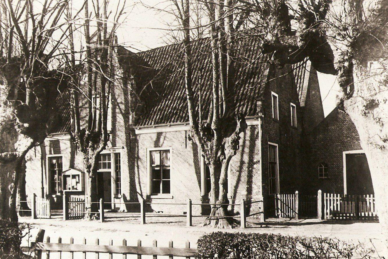 Gemeentehuis aan de Burg. J.G. Legroweg